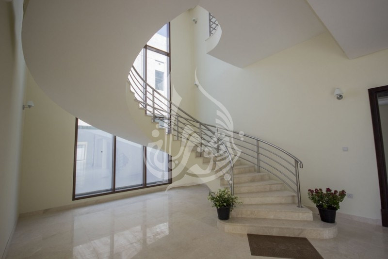Elegant Villa For Rent at Millennium Estates Meydan - Image 4