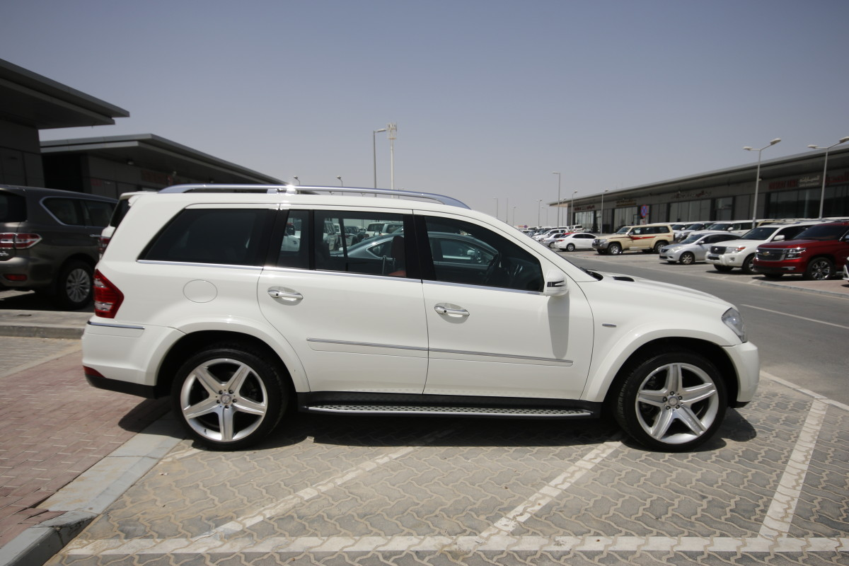 Mercedes benz gl 500 white 2012 for sale kargal uae for Mercedes benz gl450 for sale