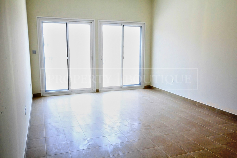 5 Bed Villa with Maid's room for Sale in JVC - Image 3