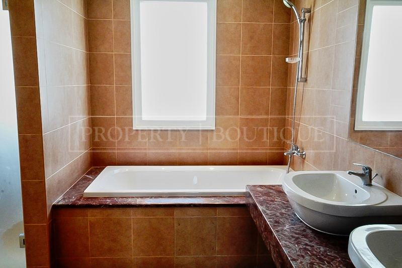 5 Bed Villa with Maid's room for Sale in JVC - Image 5