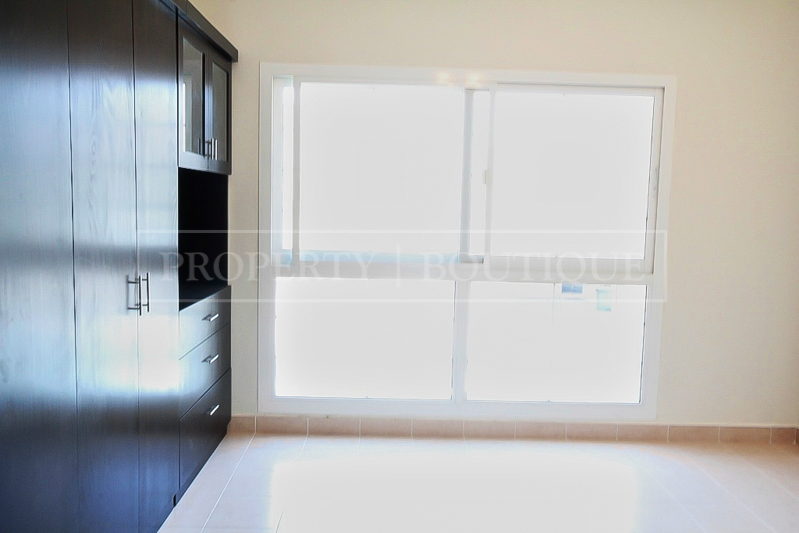 5 Bed Villa with Maid's room for Sale in JVC - Image 1