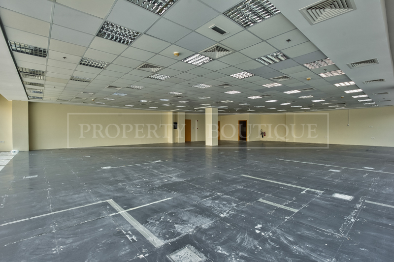 Fully Fitted Offices space on Sheikh Zayed - Image 1