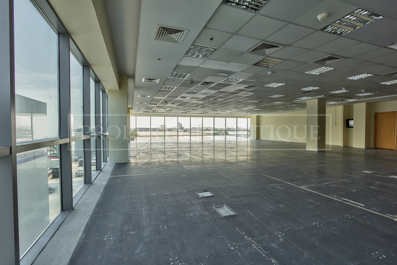 Fully Fitted Offices space on Sheikh Zayed - Image 6