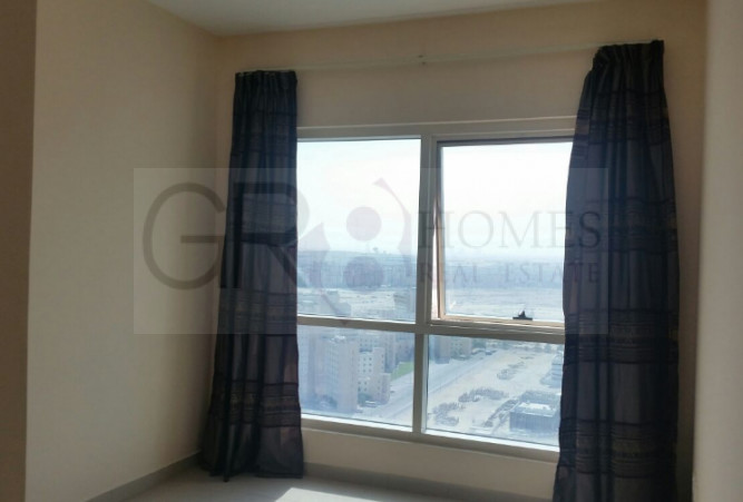 Stunning Lake View 1 Bedroom in Lake Point Tower, JLT - Image 2