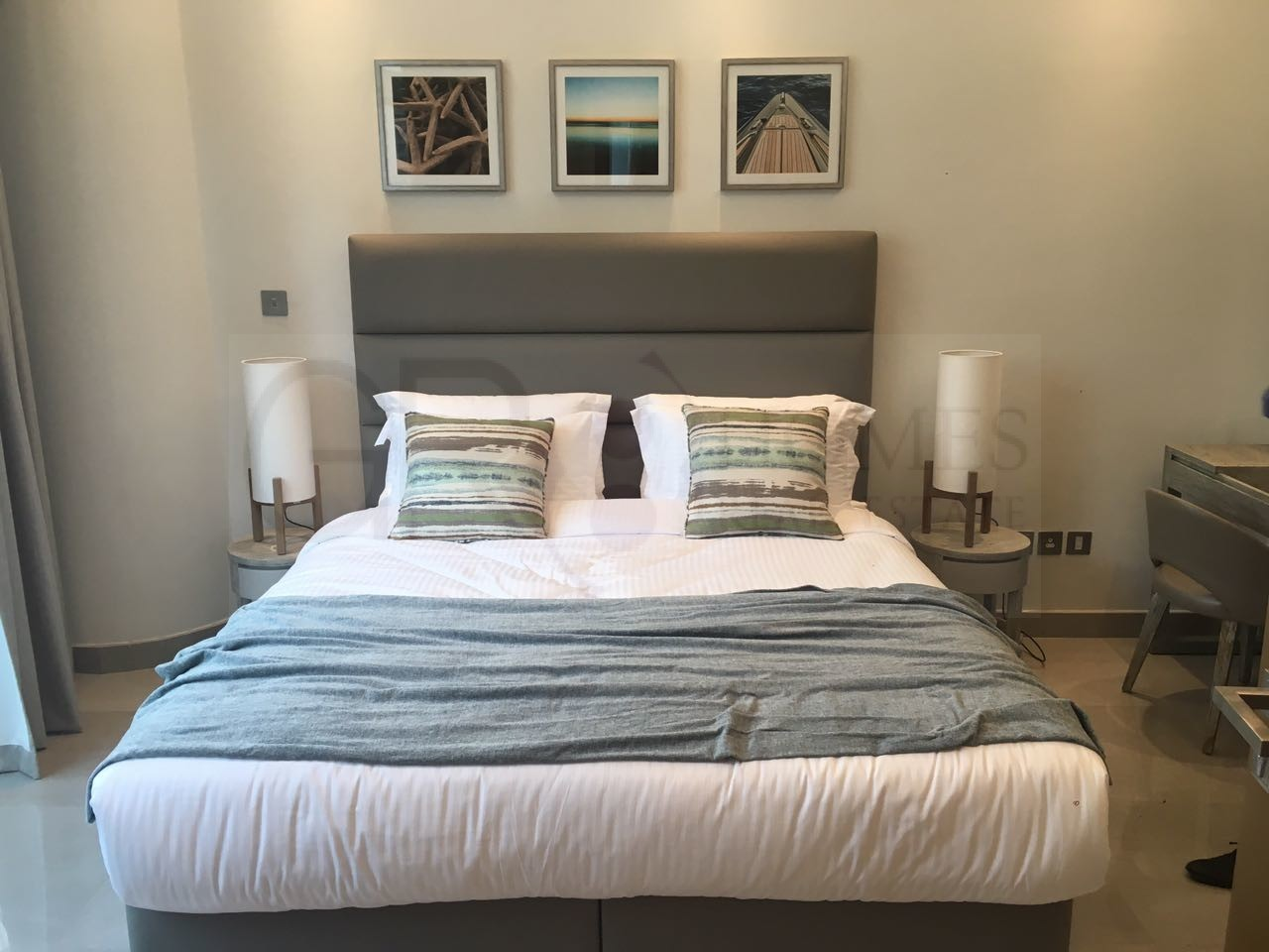 Fully furnished apartment with Marina view - Image 6
