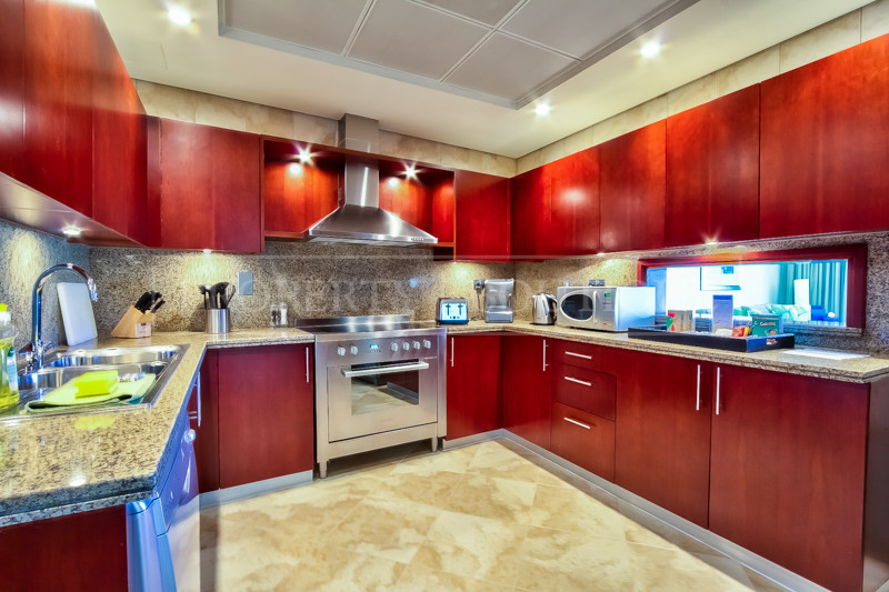 Furnished Luxury 2 Bed Serviced Apartment - Image 5