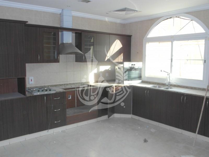 Stunning Villa with community view in Al Barsha 2 - Image 1