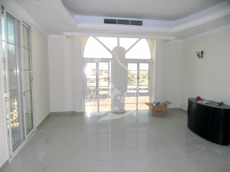 Stunning Villa with community view in Al Barsha 2 - Image 3