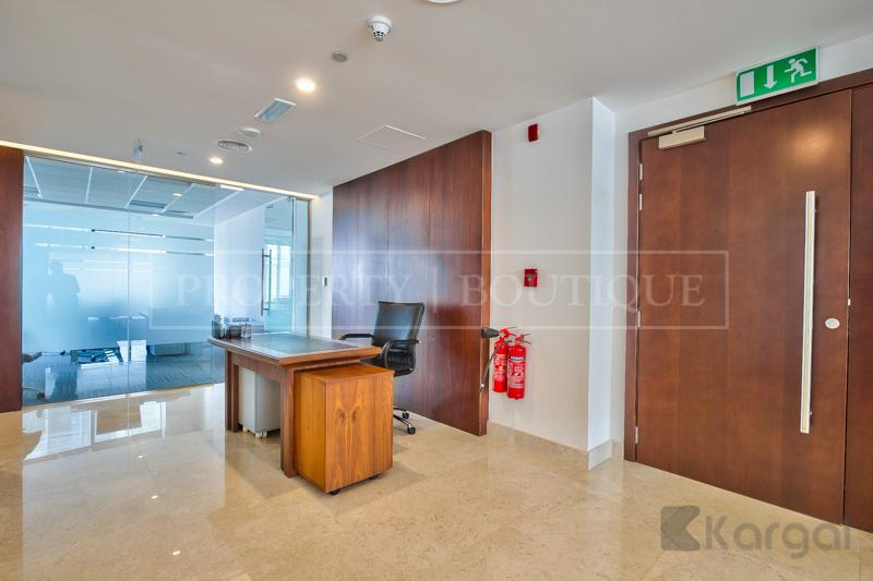 Impressive fully furnished Half Floor Office, DIFC - Image 2