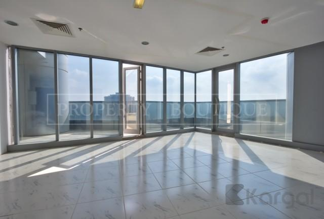Fitted Office with Pantry and Toilet, Platinum Tower - Image 2