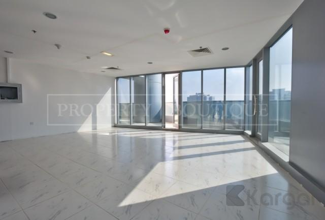 Fitted Office with Pantry and Toilet, Platinum Tower - Image 3