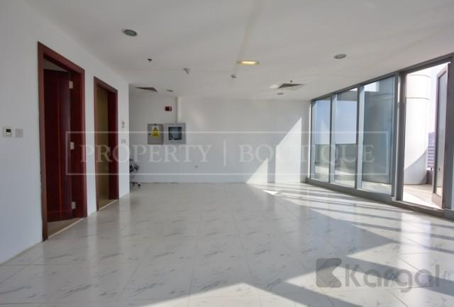 Fitted Office with Pantry and Toilet, Platinum Tower - Image 4