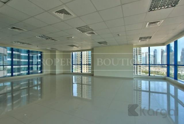 Amazing Views Fitted Office Space in Jumeirah Bay X3 - Image 5