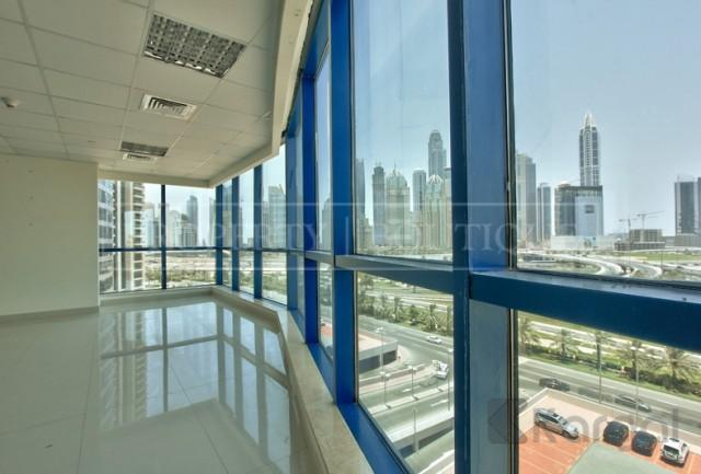 Amazing Views Fitted Office Space in Jumeirah Bay X3 - Image 6