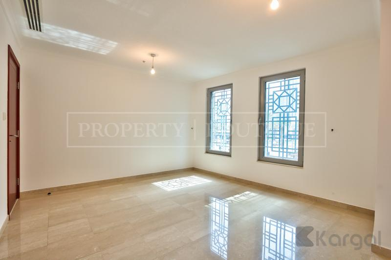 Superb 5 Bed + Maids Villa in Downtown - Image 3