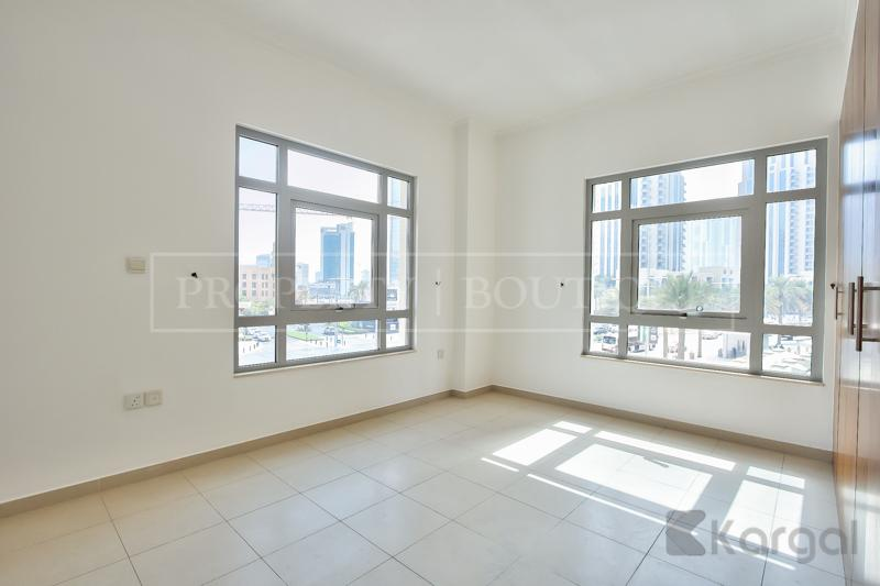 Superb 5 Bed + Maids Villa in Downtown - Image 2
