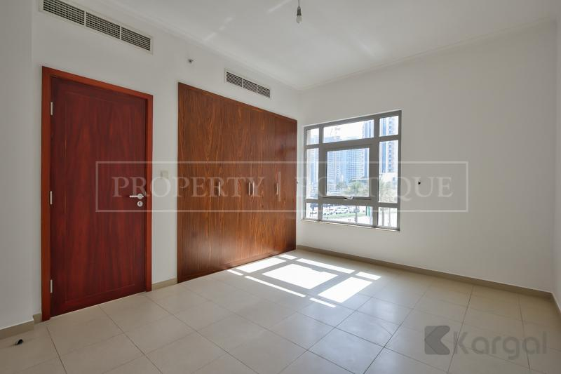 Superb 5 Bed + Maids Villa in Downtown - Image 4