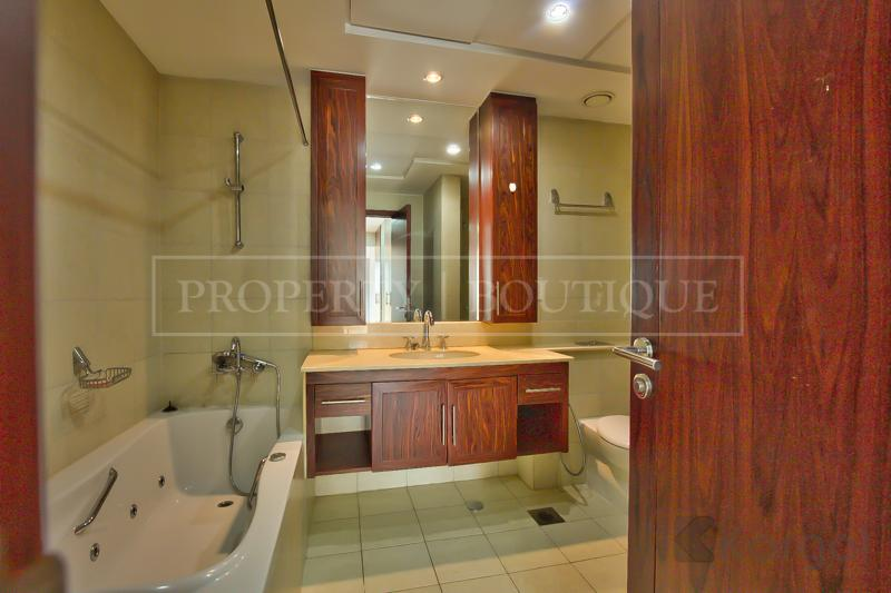 Superb 5 Bed + Maids Villa in Downtown - Image 7