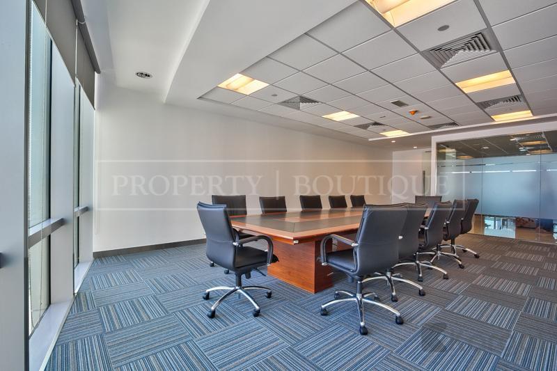 Impressive fully furnished Half Floor Office, DIFC - Image 5
