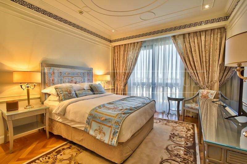 Exclusive 4 Bedroom Furnished Penthouse Palazzo Versace - Image 3