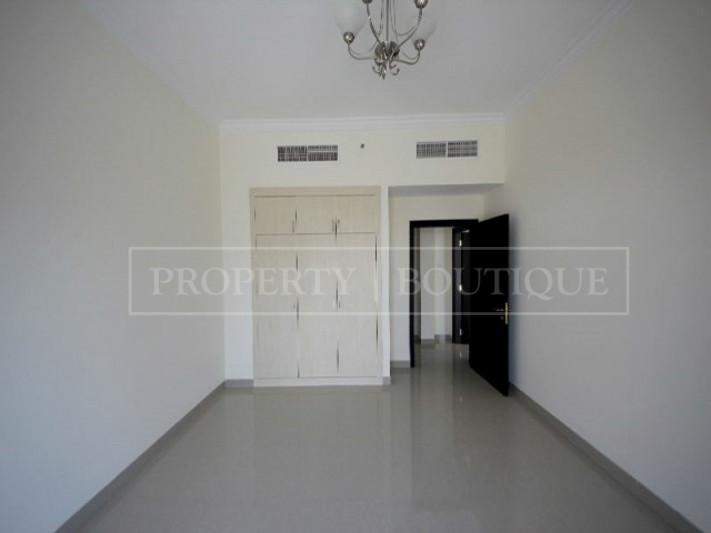 Unfurnished 1 BHK Apartment in Alfa Residence - Image 1