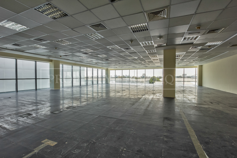 Fully Fitted Offices space on Sheikh Zayed - Image 2