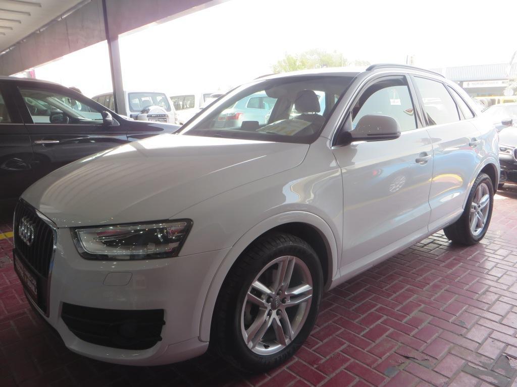 Audi Q7 (1).JPG