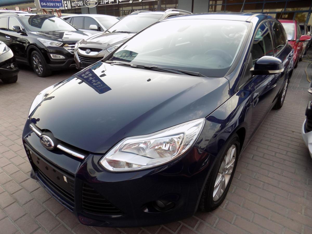 Ford Focus 2012  (1).JPG