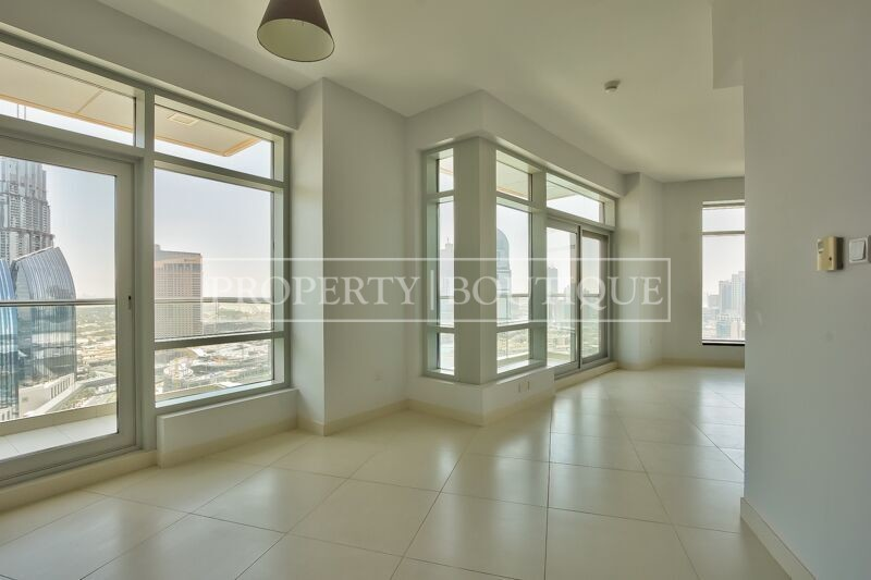 Full Burj Khalifa and Fountain view | 2 Bed - Image 2
