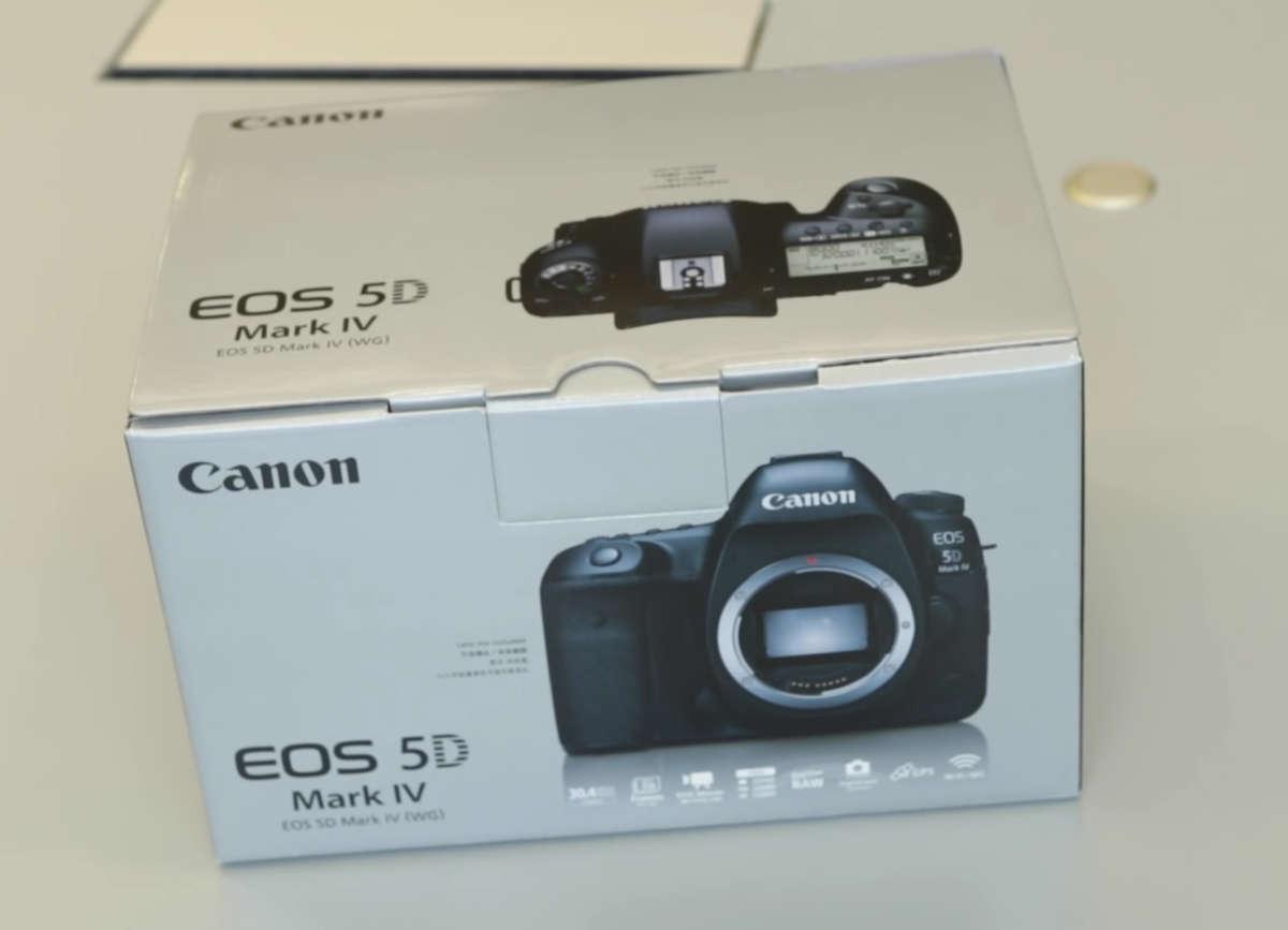 Canon EOS 5D Mark IV.jpg