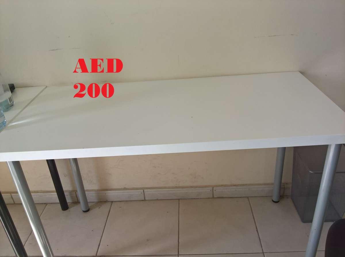 E-Table with 4 metal legs (White).jpg
