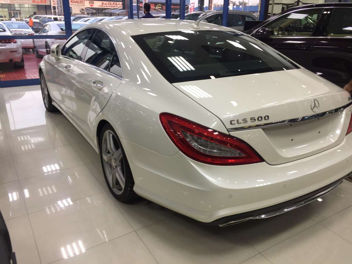 Mercedes Benz CLS500 GCC specs 2013 model