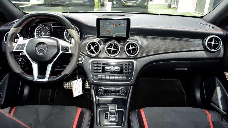 Mercedes-Benz-CLA-45-Amg-4Matic-004.png