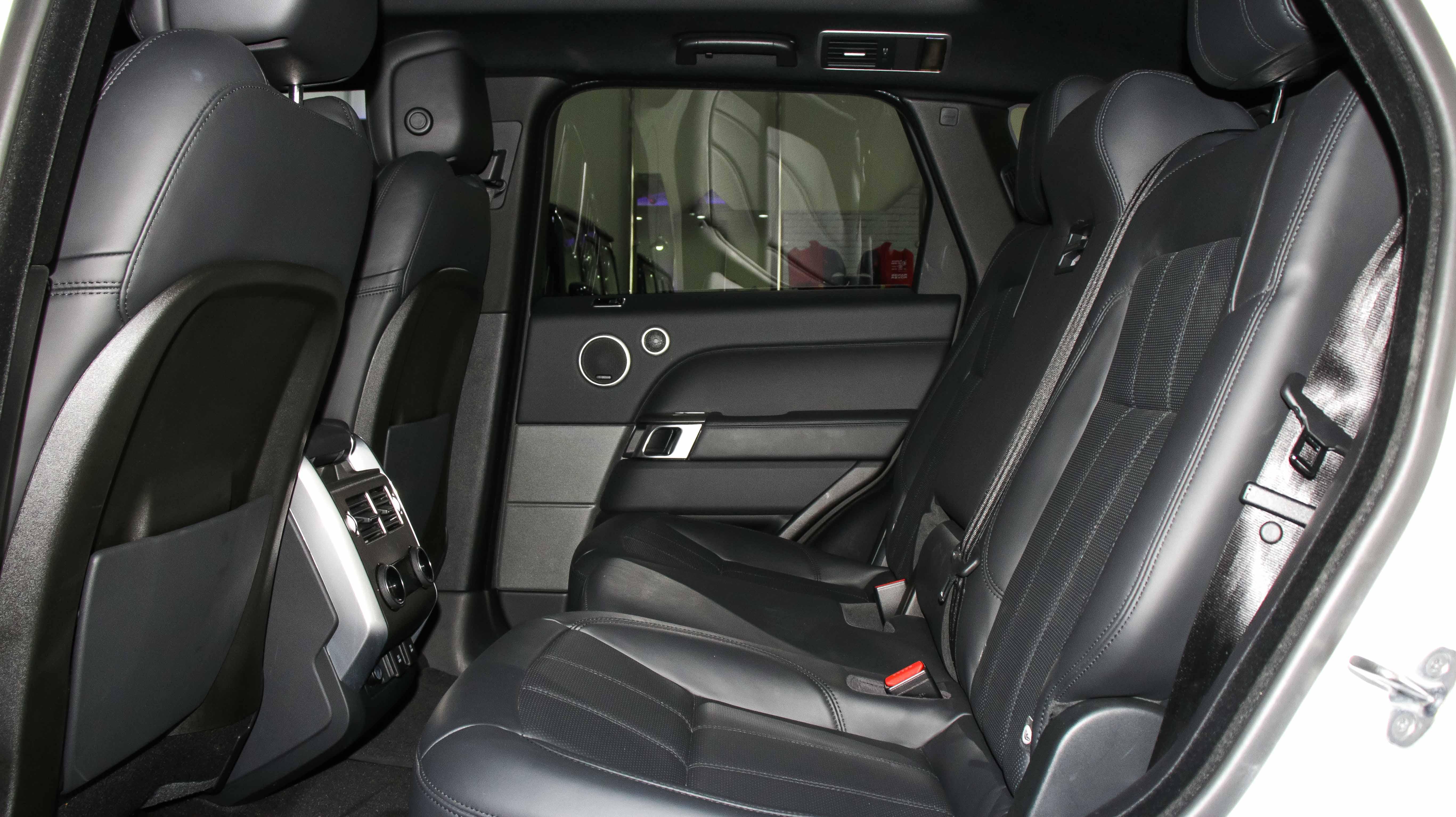 2018-Range-Rover-Sport-HSE-White-07.jpg