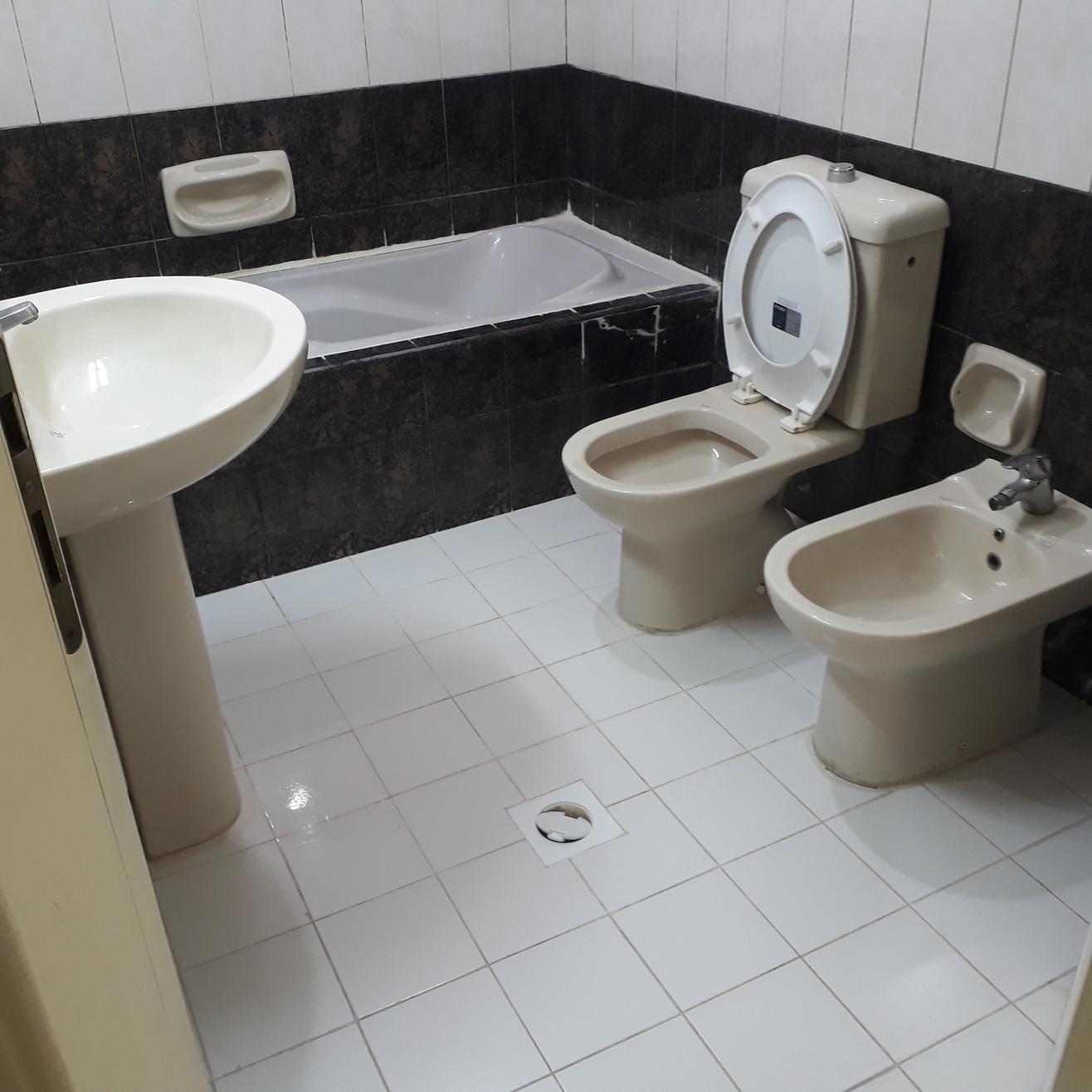 5 Private Bathroom.jpg