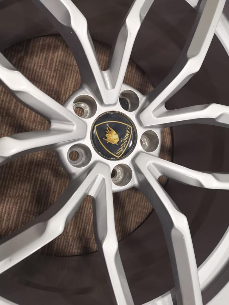 Huracan Wheel 3.jpeg