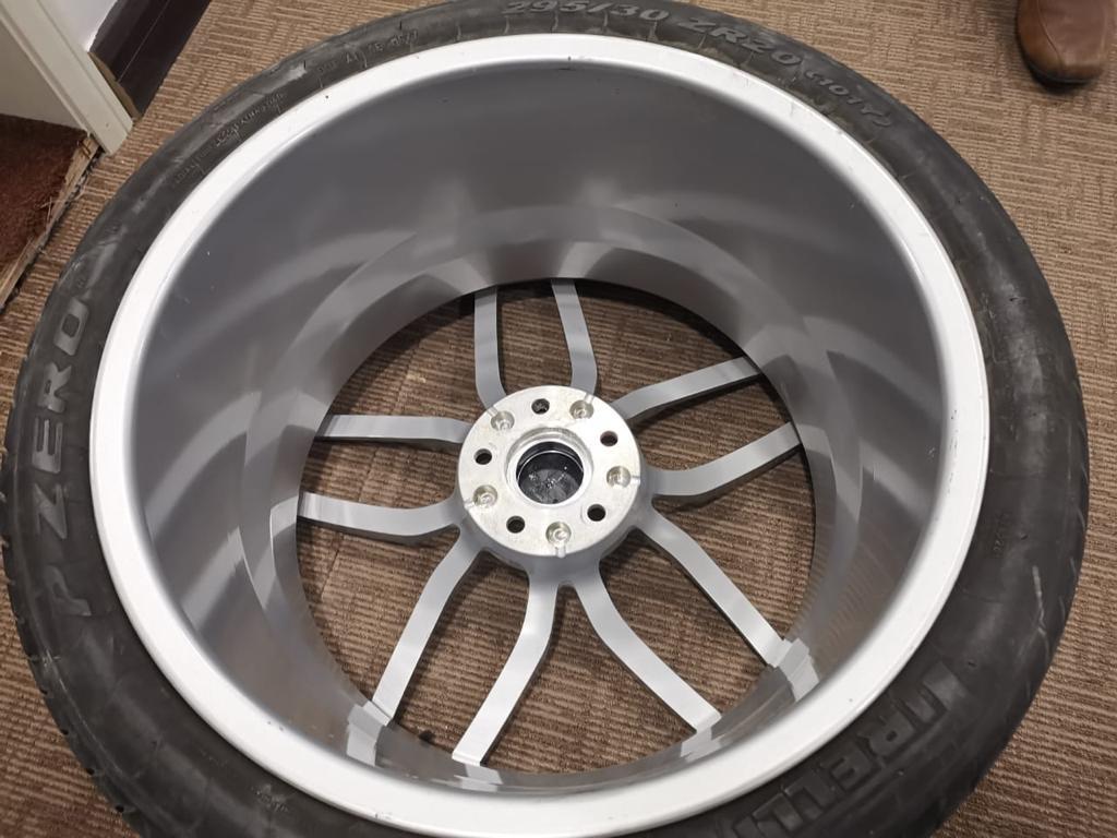Huracan Wheel 4.jpeg