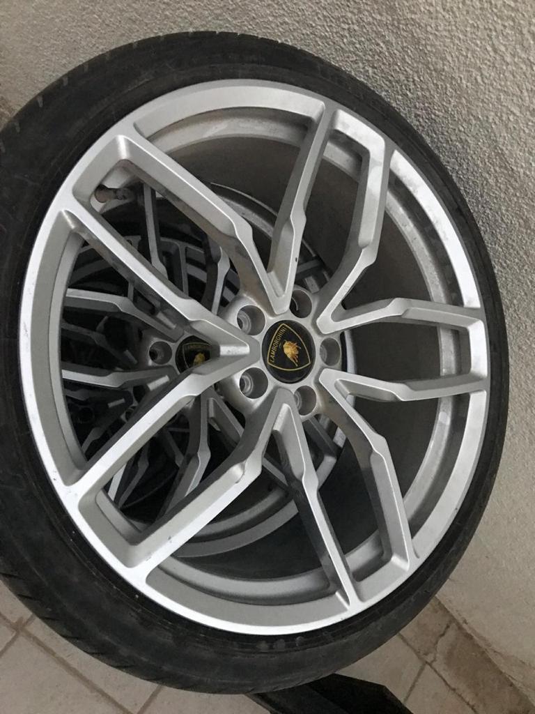 Huracan Wheel 5.jpeg