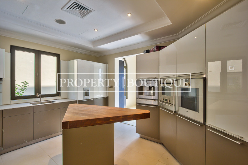 Upgraded High Number 6 Bed Signature Villa - Image 4