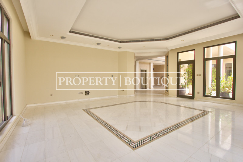 Upgraded High Number 6 Bed Signature Villa - Image 2