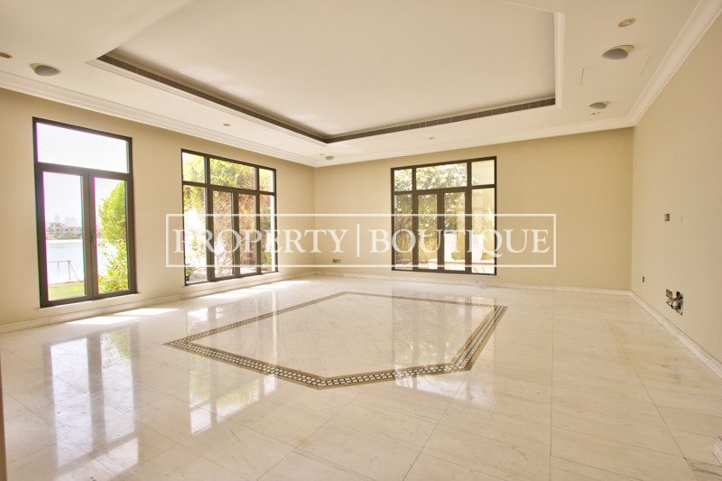 Upgraded High Number 6 Bed Signature Villa - Image 1