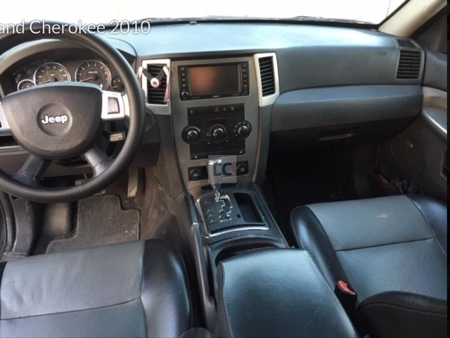 Jeep Grand Cherokee - Inside 3.jpg