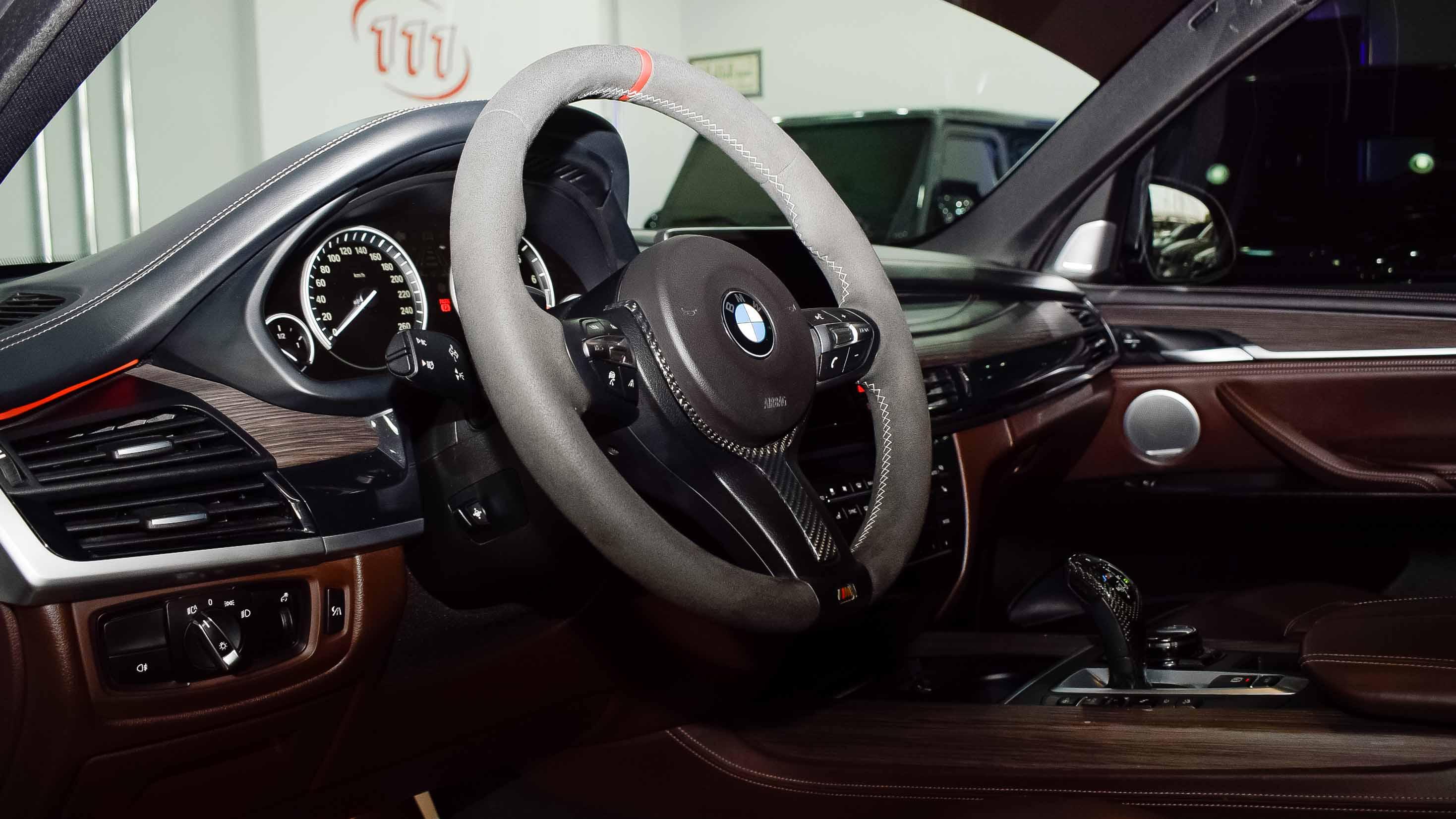 2014-BMW-X5-xDrive50i-M-Performance-White-Tan-GCC-04.jpg