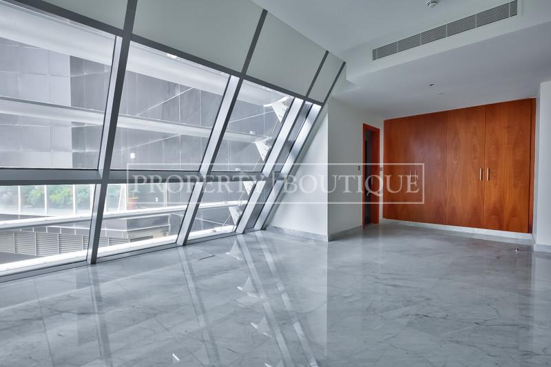 Unique Penthouse Triplex, Vacant, Private lift - Image 7