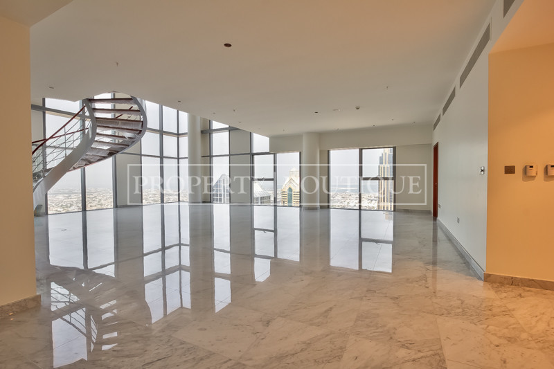 Unique Penthouse Triplex, Vacant, Private lift - Image 1