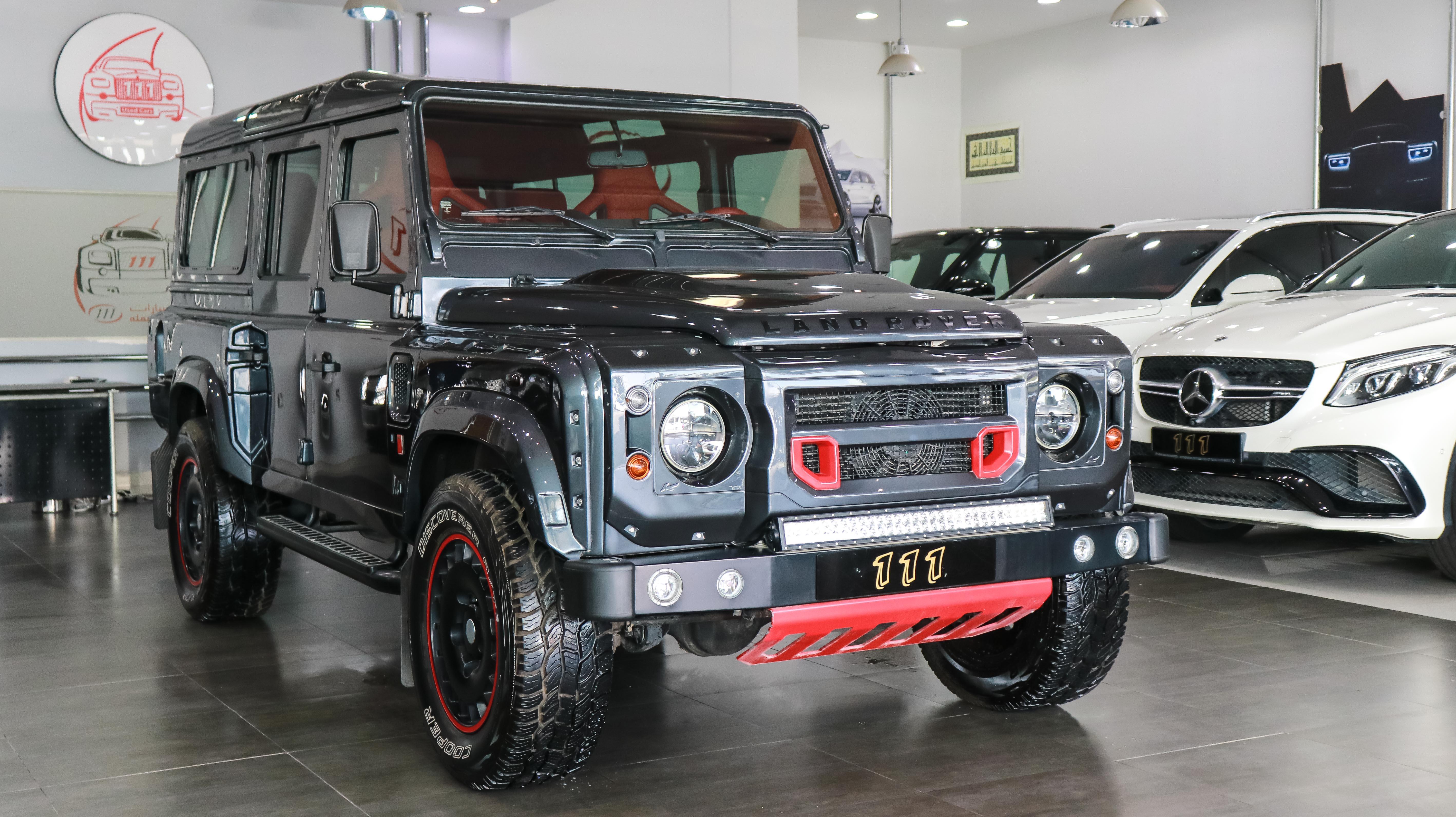 2014-Land-Rover-Defender-Kahn-Body-Kit-Grey-Red-GCC-03-Copy-Copy.jpg