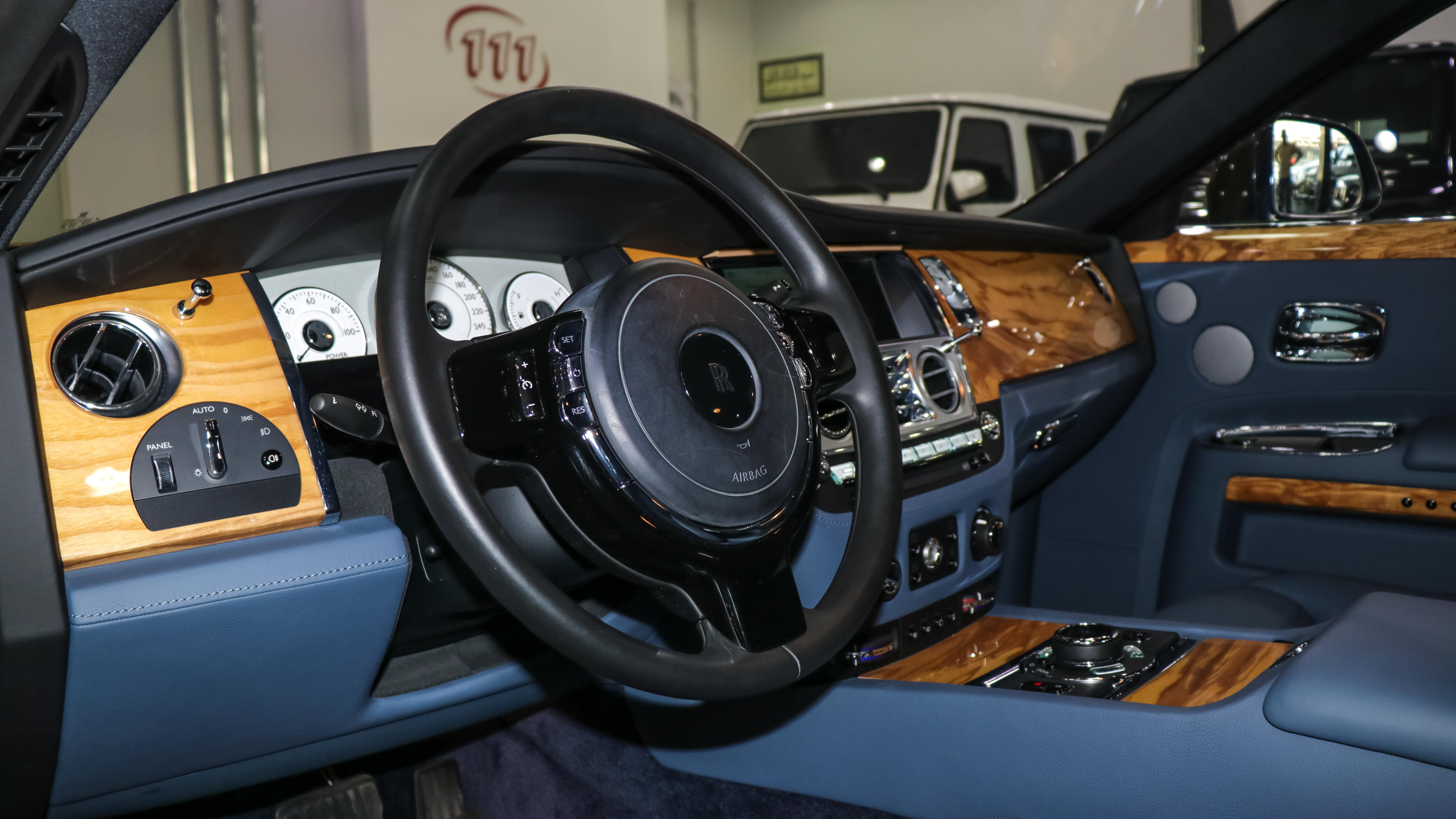 2016-Rolls-Royce-Ghost-Blue-Blue-04.jpg
