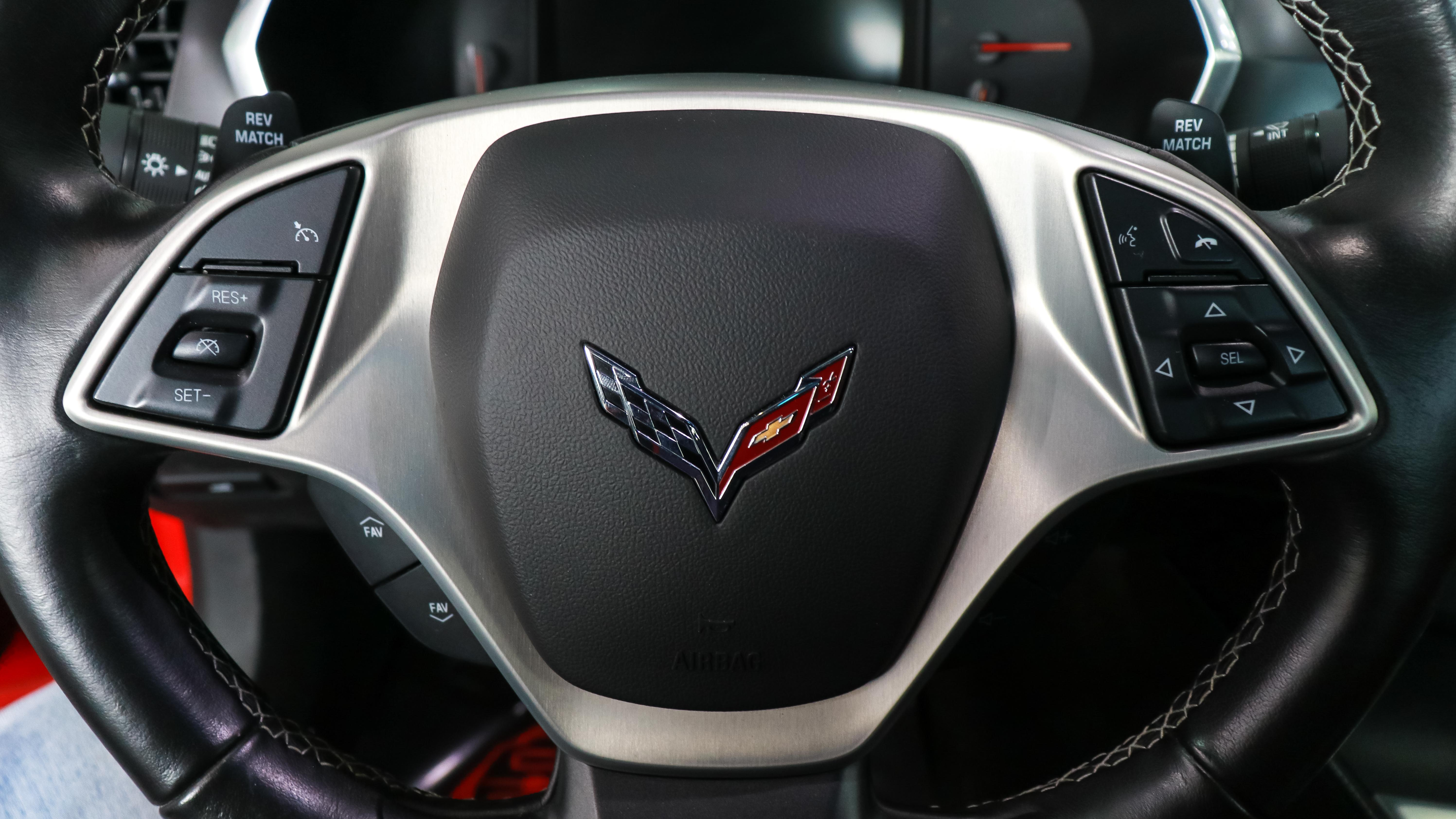2019-Chevrolet-Corvette-Stingray-6.2-L-V8-Red-Red-import-11.jpg