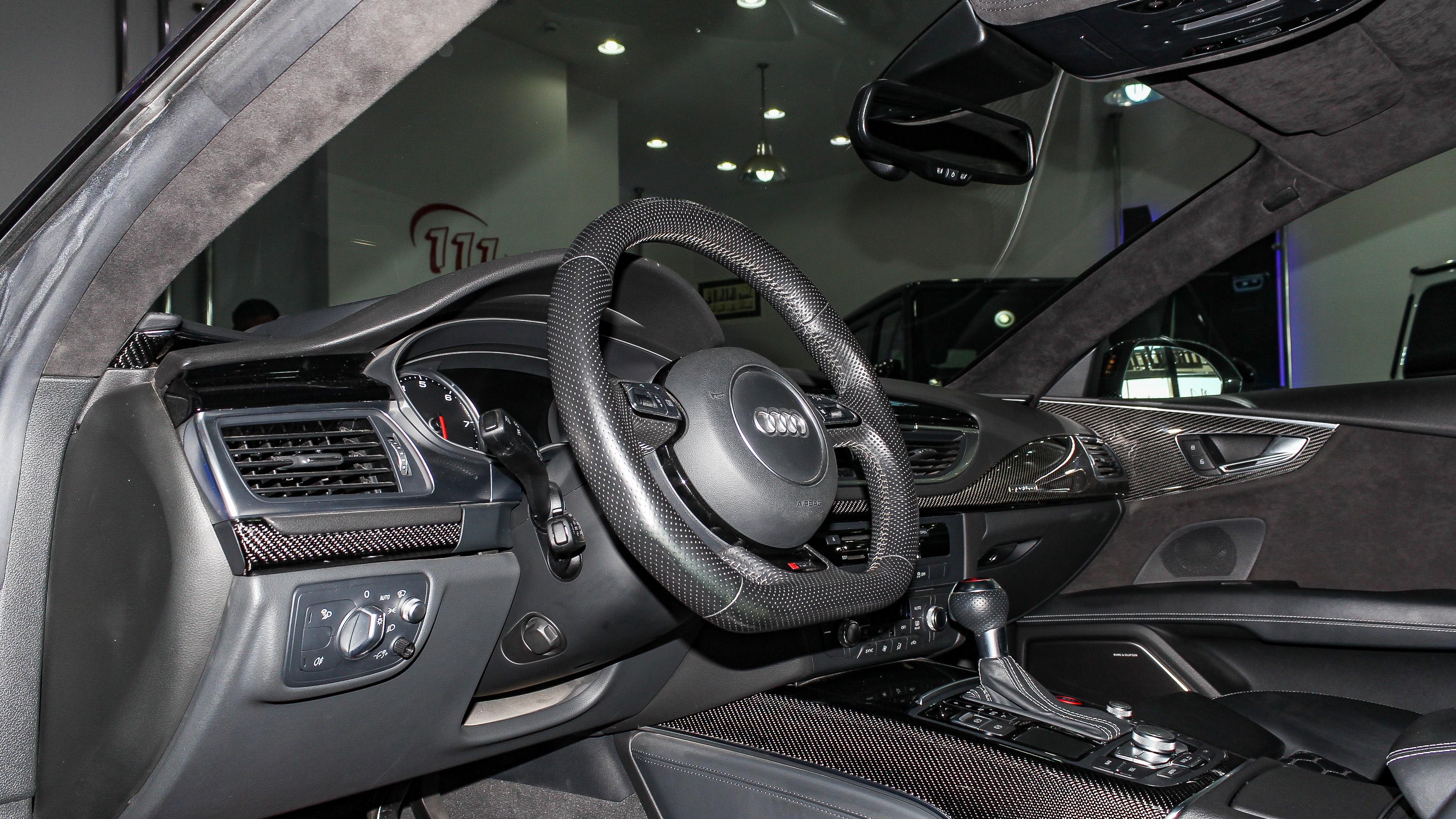 2016-Audi-RS7-Blue-Black-GCC-04.jpg