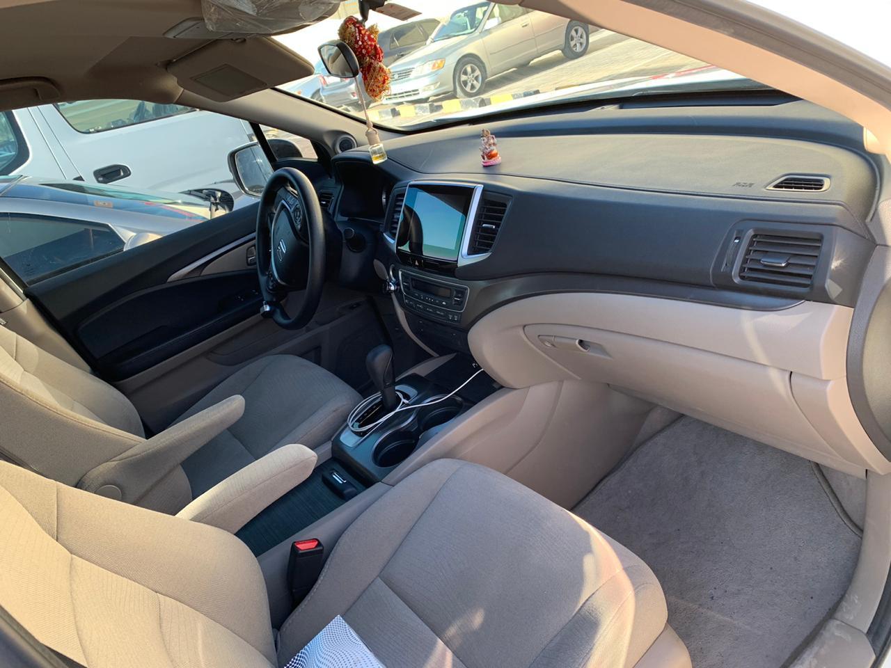 Honda_Pilot_Inside.jpeg